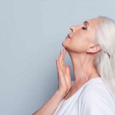 slappe huid van de hals voorkomen