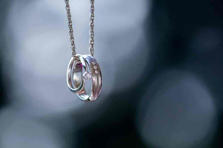 Gouden of zilveren sieraden. Wat kies jij?