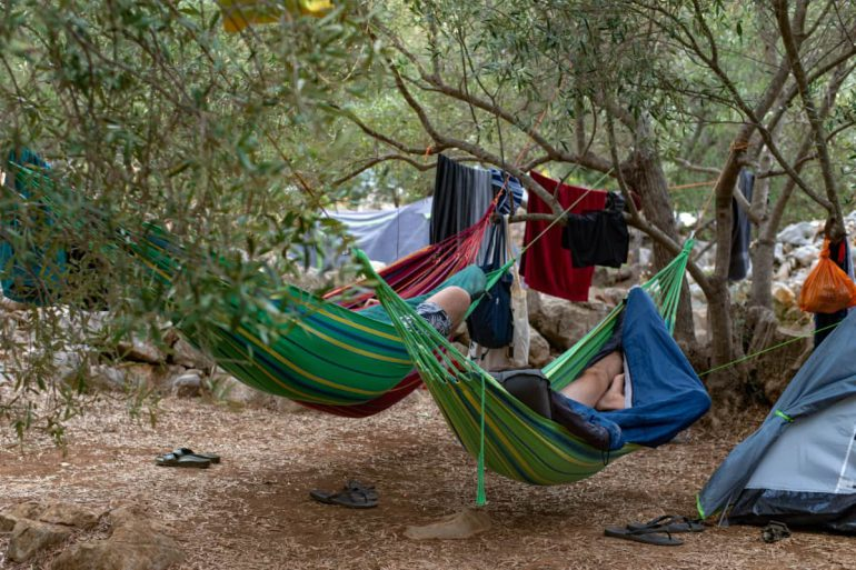 kamperen in hangmat